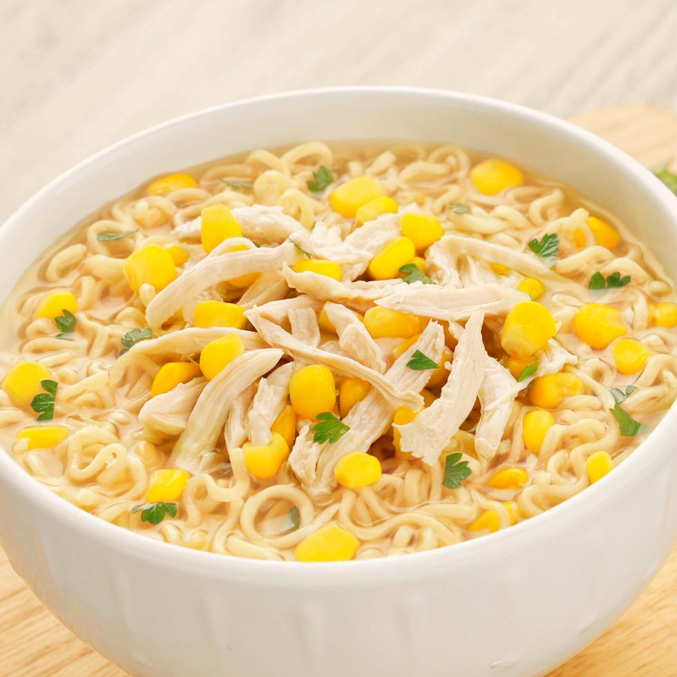 LUCKY ME! CHICKEN AND CORN NOODLE SOUP